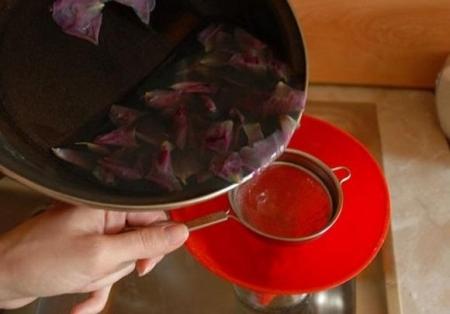 Розовая вода в домашних условиях. Как сделать самому